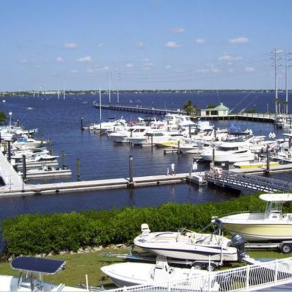 Located Near The Por Laishley Park Munil Marina And Punta Gorda Airport You Will Find Plenty To Do Whether
