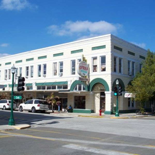 Economy Inn Of Arcadia Offers Great Rooms At Compeive Rates Located Near The Por Opera House And Canoe Outpost You Will Find Plenty To