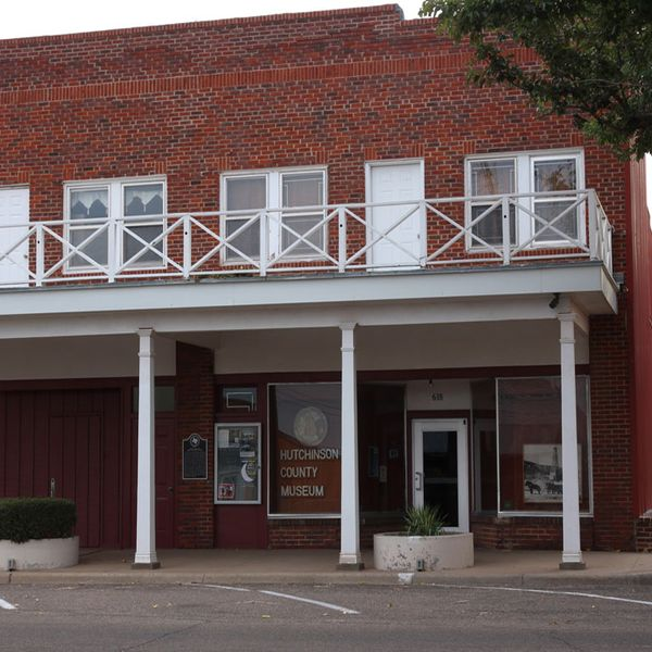 The Hutchinson County Historical Museum Is A In Borger Texas With More Than Sixty Exhibits Spanning Period From 16th Century Expedition Of